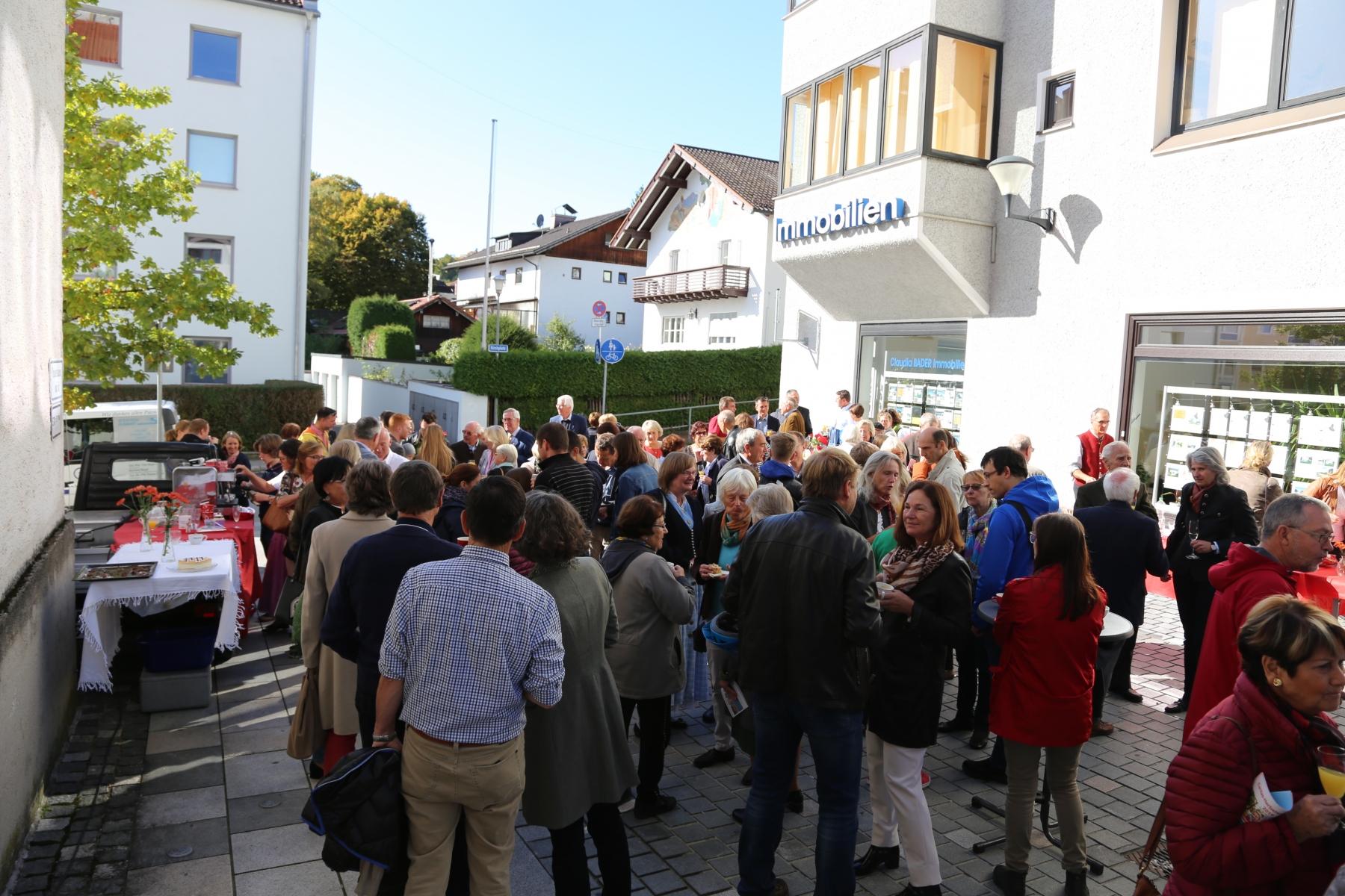 Empfang am Kirchplatz