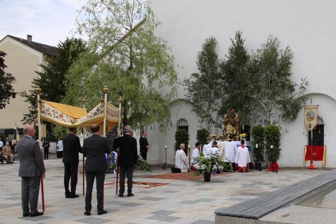 Altar am Marienbrunnen