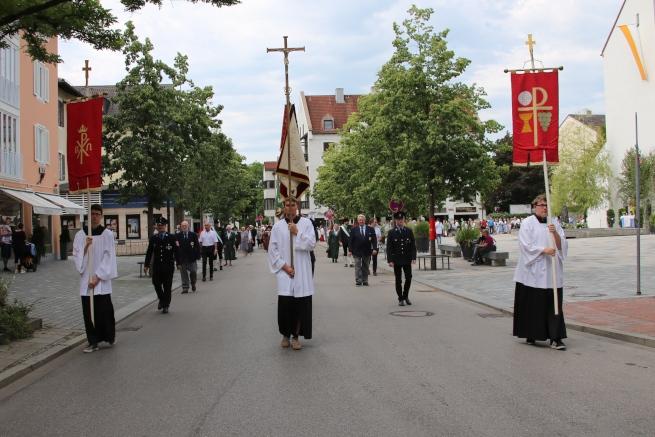 Beginn der Prozession in der Maximilianstraße